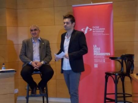 Juli Gendrau (esquerra) i Abel Gallardo, periodista i membre de la junta de la demarcació (Foto: Dolors Clotet)