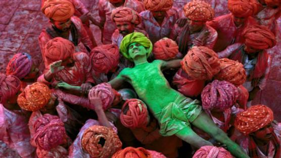 Festival Holi al Rajasthan, India al 1996. Foto: Steve McCurry