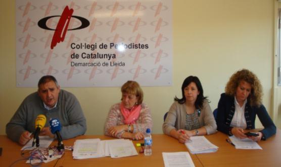 Quatre dels membres del jurat: Rafa Gimena, a l'esquerra, i al seu costat Sara Mestres, Isabel Hornos i Roser Perera.