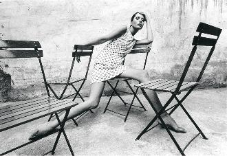 Elsa Peretti al Tifanny's el 1966. Foto: Oriol Maspons