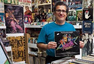 L'històric periodista musical Ignasi Julià, cap d'edició a la revista Ruta 66, admet que el nivell dels que escriuen als mitjans del sector ha baixat molt. Foto: Òscar Garcia