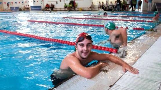 Un participant a la competició de natació Special Olympics del 2012 (Foto: Dani Codina)