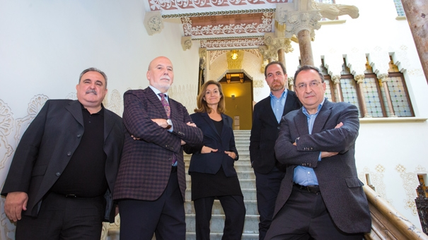Jordi Grau, Màrius Carol, Esther Vera, Enric Hernández i Lluís Bassets.