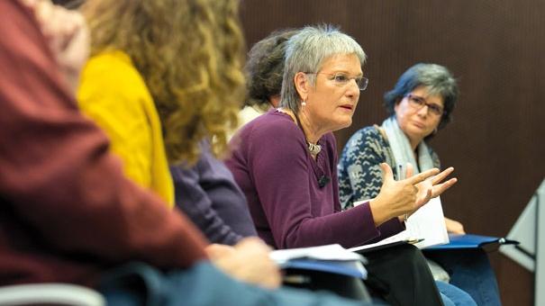 Milagros Pérez-Oliva va participar en la taula rodona on es va debatre sobre l'ètica a la professió