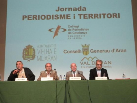 D'esquerra a dreta, Rafa Gimena (president CPCLleida), Juan Antonio Serrano (alcade Vielha), Carlos Barrera (Síndic) i Josep R. Ribé (membre Junta CPCLleida)