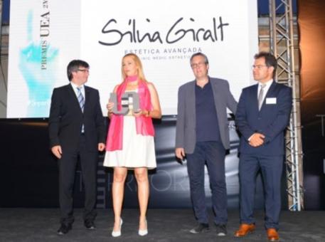 Carles Puigdemont amb Sílvia Giralt, Enric Badia i Blai Paco.