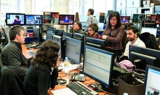 Un grup de periodistes de TV3 durant una jornada de treball (Foto: Vicente Pruna)