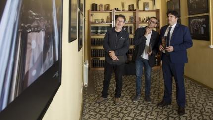 Joan Ventura, Jordi Ribot i Pere Vila van inaugurar l'exposició.