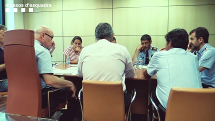 Diferents responsables de Mossos d'Esquadra el 17A -entre ells Patricia Plaja i Josep Lluís Trapero- en una de les reunions mantingudes durant el dia de l'atemptat