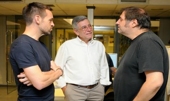 El col·legiat Joan Piqué i Gonçal Mazcuñán parlant amb Fontdevila / Foto: Salvador Redó