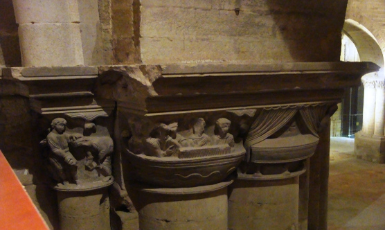 Alguns dels capitells amb la llegenda de Sant Jaume