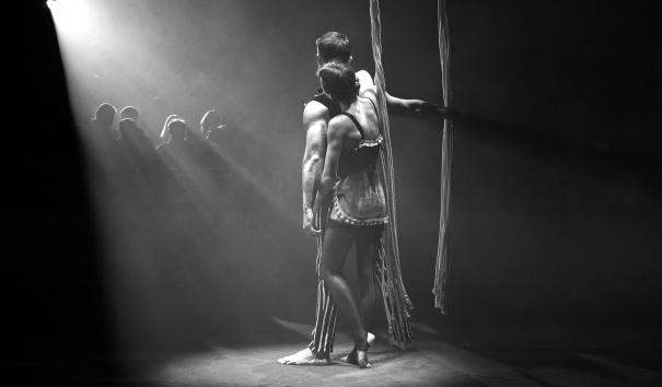 Llum i ombres en un circ