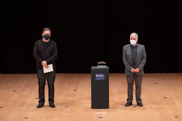 Joan Ventura va lliurar el Premi al millor treball en premsa a Xevi Xirgo.