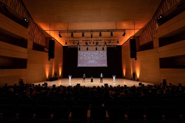 La gala va aplegar moltes persones a l Auditori.