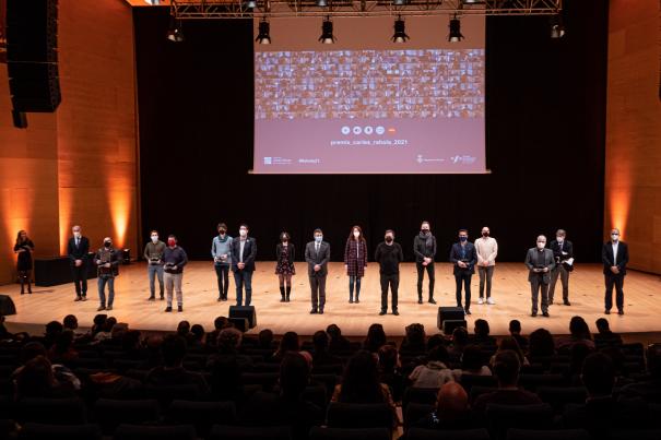 Els guanyadors dels XII Premis Carles Rahola de Comunicació Local, amb les autoritats que van lliurar els guardons..